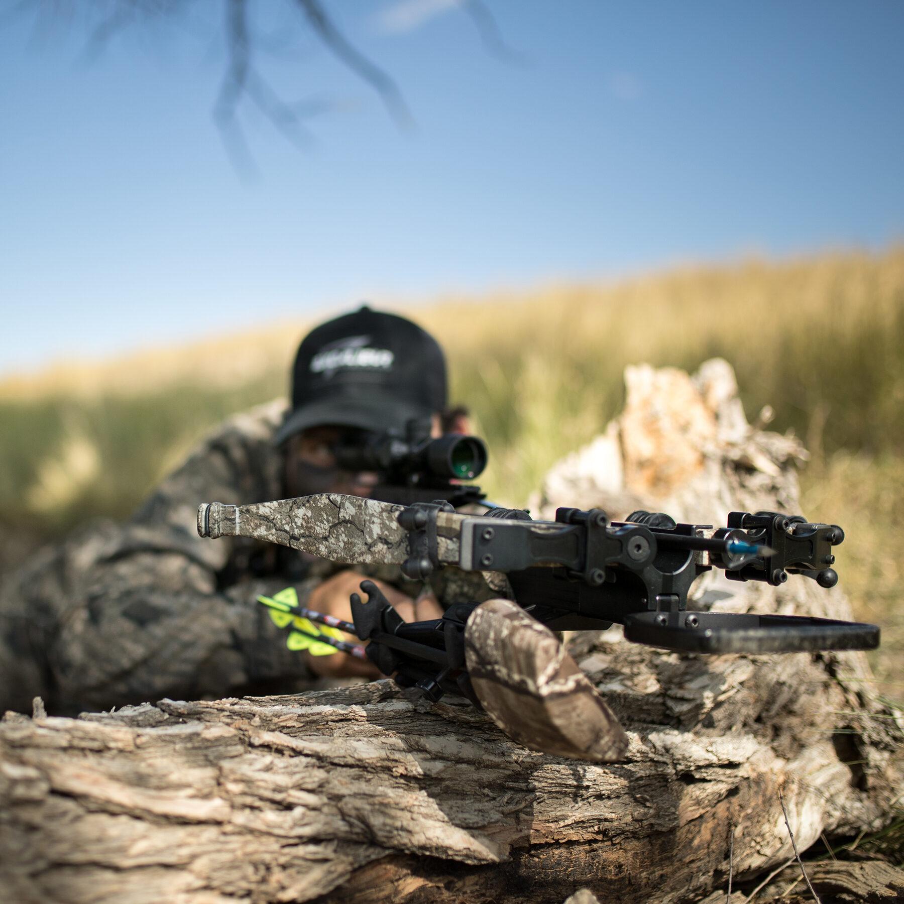 hunter aiming the micro 340td