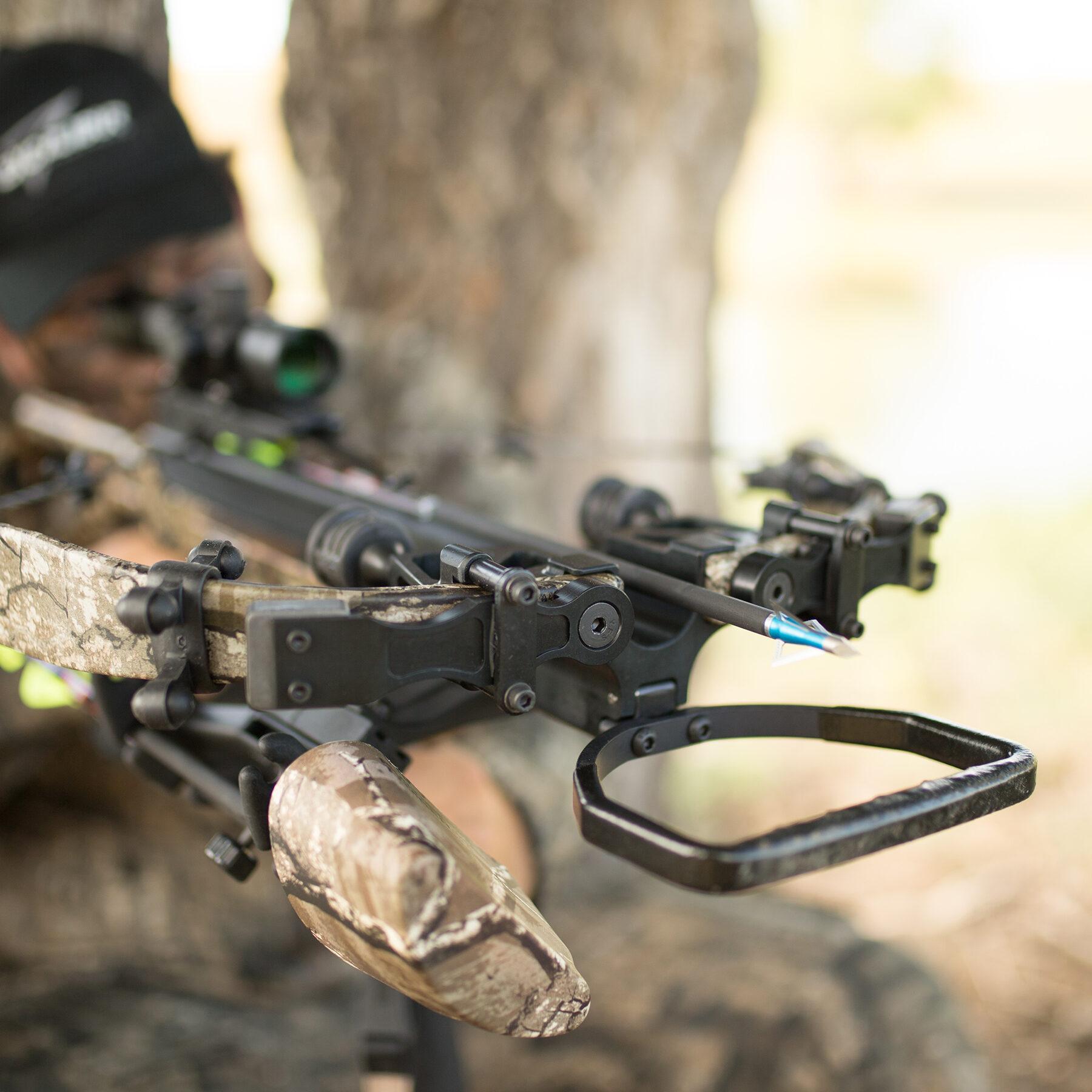 hunter aiming the micro 340 td